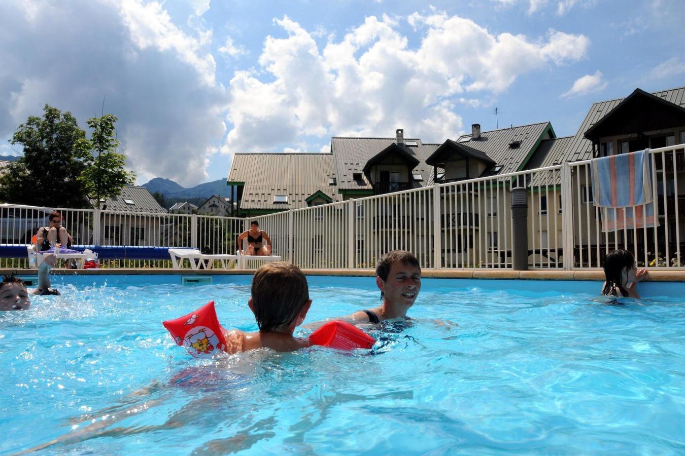 Residence la croix margot 25 villard de lans location for Villard de lans piscine