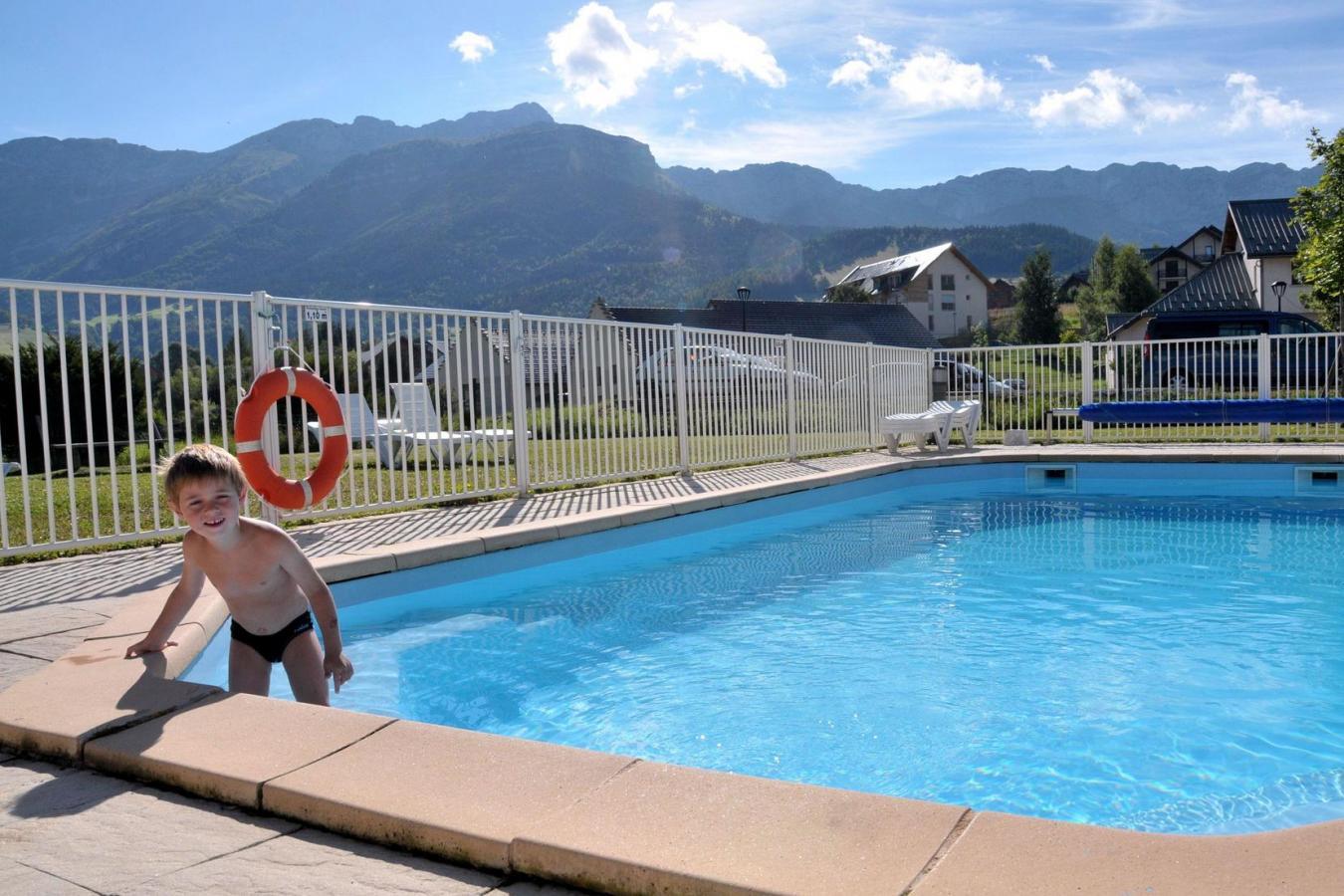 Residence la croix margot 25 villard de lans location - Villard de lans piscine ...