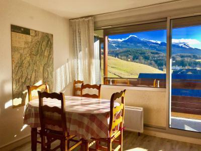 Rent in ski resort Studio cabin 4 people (36) - Résidence la Fleur du Roy - Villard de Lans - Living room