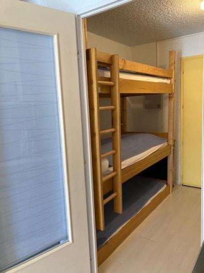 Rent in ski resort Studio sleeping corner 4 people (4014) - Résidence les Quatre Saisons - Villard de Lans - Table